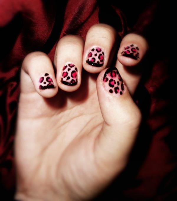 Black Pink Leopard Nails