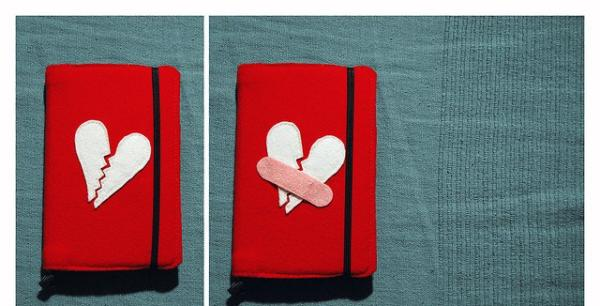 Broken Hearts Purse