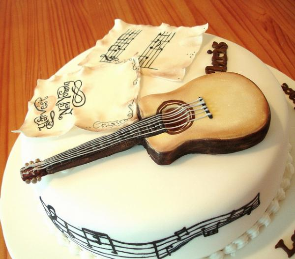 Guitar Cake Music Notes