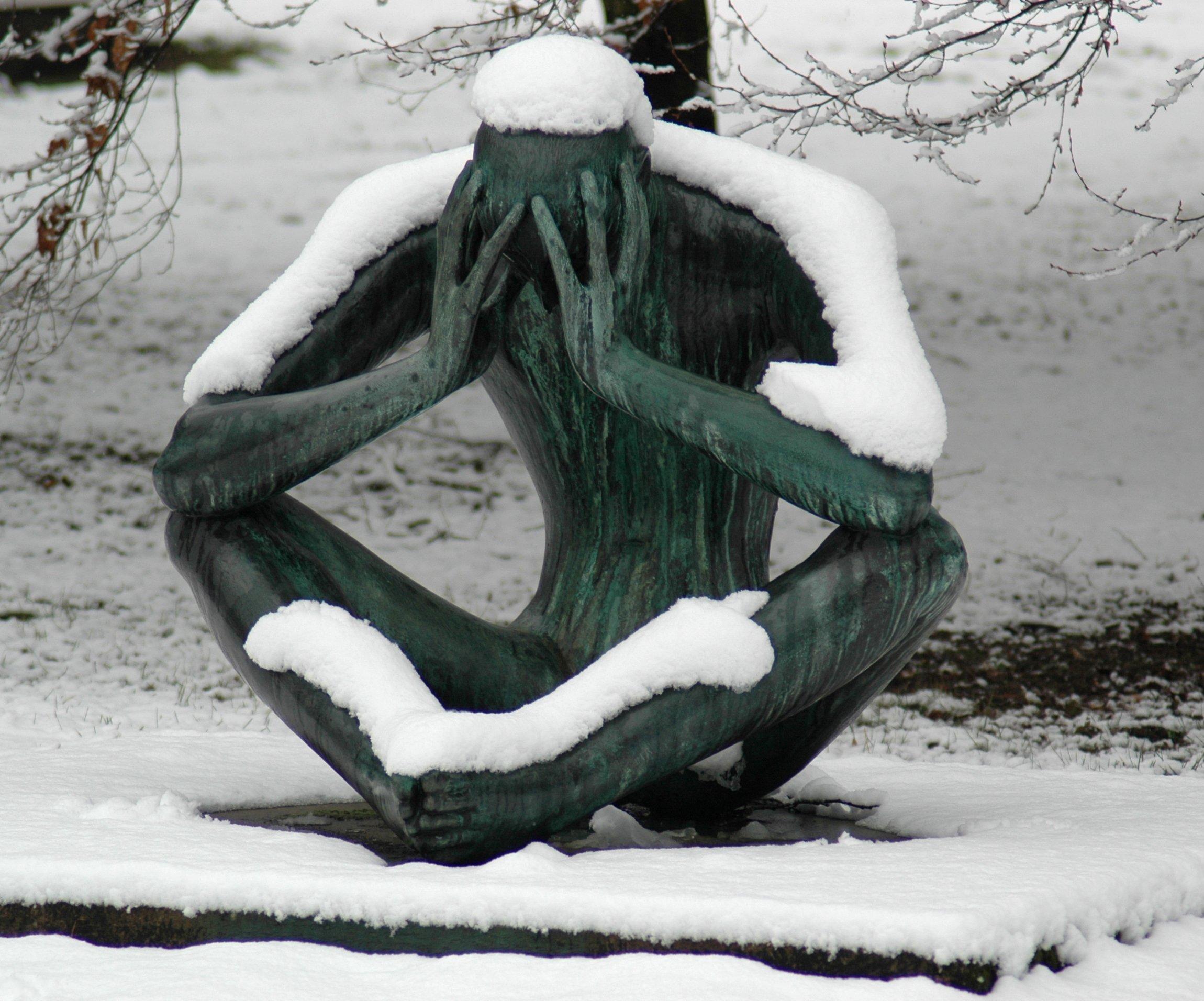 SadSnowy Statue HD Inspirational Showcase Of 2011
